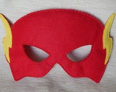 Flash Kostüm selber machen Inspiration, crafting instructions & accessories with you can make your own flash costume # diykostüm # Costume idea Maske Halloween, Halloween Masks, Homemade Costumes, Diy Costumes, The Flash Mask, Masquerade Mask Template, Alaaf You, Mascaras Halloween, Birthday