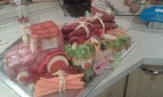 Torta slaná torta- traktor Charcuterie, Sausage, Appetizers, Presents, Beef, Chicken, Transportation, Cold, Kitchens