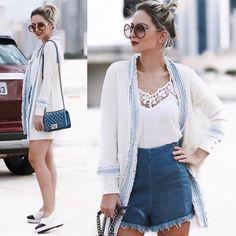 Somos apaixonadas pelo Chloé Carlina ❤️ Blogueiras e fashionista - como a @lilipaiva - adotaram e comprovaram como o redondinho com toque #retro dá aquele UP em qualquer #look  Confira as novas cores do Carlina na #EnvyOtica : www.envyotica.com.br ✨ #Chloé #chloecarlina #ootd #lookdodia #looksdalilipaiva