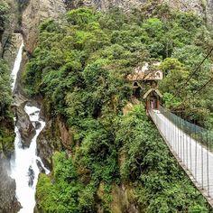 Location: El Pailón del Diablo - Baños, Ecuador.