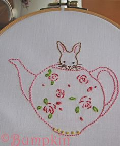 Bunny and Her Teapot Hand Embroidery PDF Pattern por bumpkinhill