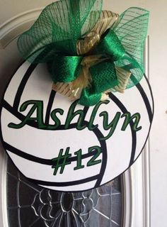 New yard signs sports school spirit 55 ideas Volleyball Locker Signs, Volleyball Locker Decorations, Soccer Locker, Volleyball Cheers, Volleyball Party, Volleyball Cookies, Volleyball Crafts, Volleyball Team Gifts, Volleyball Posters