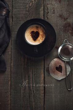 This cappuccino would be fabulous with Mon Âme Chocolat! Coffee Talk, I Love Coffee, Coffee Break, My Coffee, Coffee Drinks, Morning Coffee, Coffee Shop, Coffee Cups, Coffee Lovers