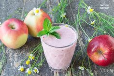 This Apple Cherry #Smoothie is easy & quick to make (less than 5 mins). Perfect for a healthy snack or breakfast. Rich in vitamins A, B2, B12 and calcium.