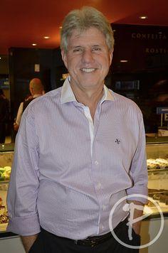 Cláudio Fernandes, proprietário da Confeitaria Romana