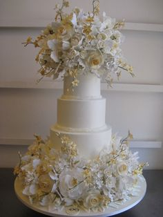 Believe it or not this cake arrived today atthe Breakers Hotel in one piece! One happybride!!