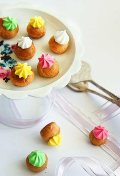 Fancy Gems Mini Choux: Kid-size fancy gems by Raspberri Cupcakes are simple and oh-so sweet. Source: Raspberri Cupcakes