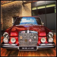 An original Super Star : Mercedes - Benz 300 SEL 6.3 AMG