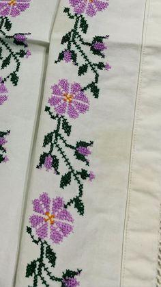 Bridal Dresses, Crochet, Ideas, Cross Stitch Borders, Cross Stitch Flowers, Cross Stitch Love, Stuff Stuff, Vestidos, Counted Cross Stitches