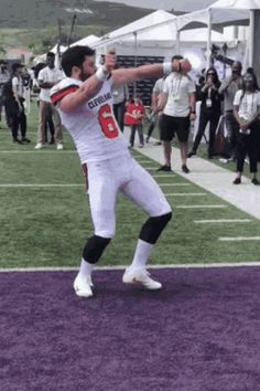 The perfect Baker Mayfield Browns Animated GIF for your conversation. Discover and Share the best GIFs on Tenor. Oklahoma Sooners Football, Nfl Football Teams, Nfl Sports, Cleveland Browns, Cleveland Indians, Baker Mayfield Nfl, Funny Dancing Gif, Football Conference, Dance Humor