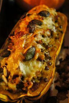 Gourmandises et Merveilles: Courges farcies végétariennes