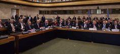 Οι δύο προτάσεις που βρίσκονται στο τραπέζι της διαπραγμάτευσης στην Γενεύη