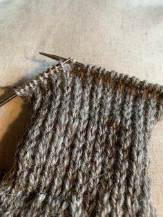 Knitting, Accessories, Fashion, Moda, Tricot, Fashion Styles, Breien, Stricken, Weaving