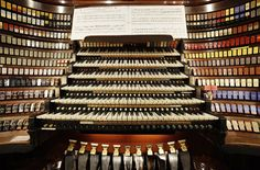 The largest pipe organ in the world. Wanamaker Grand Court Organ in Philadelphia.