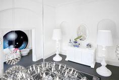 MOOOI showroom in London