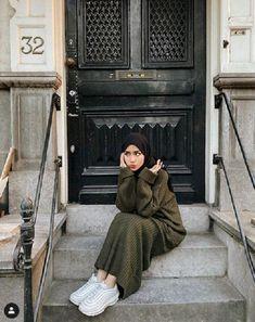 Ootd Hijab, Casual Hijab Outfit, Hijab Chic, Street Hijab Fashion, Muslim Fashion, Korean Fashion, Simple Street Style, Urban Street Style, Simple Style