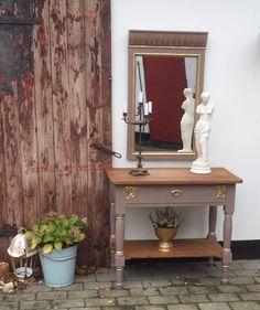 Konsolbord og spejl. Malet med Coco og bladguld