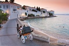 Just a two hour ferry ride away from Athens, the island of Spetses, with its picturesque old harbor, is a well-known destination for a fabulous weekend getaway. Places To Travel, Places To See, Greek Island Tours, Travel Around The World, Around The Worlds, Costa, Samos, Greece Islands, Greece Travel