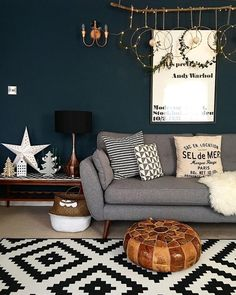 Include passion to your living room with a fresh paint color. Browse our living room paint colors inspiration gallery to find living room suggestions . Navy Living Rooms, Dark Blue Living Room, New Living Room, Small Living, Modern Living, Dark Blue Rooms, Dark Blue Walls, Dark Blue Lounge, Living Room Decor Blue