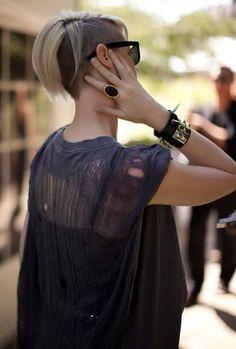 Half-Shaved Short Hair: Vogue Straight Hair List of cute ways to style short hair!