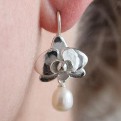 Silver orchid earring with pearls