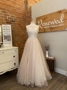 Buy Wedding Dress, Wedding Dresses Photos, Wedding Outfits, Size 14, Wedding Ideas, Boutique, Bridal, Formal, Fashion