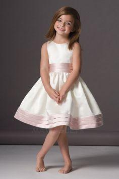 Chez notre boutique, on vous offre robe de mariée/mariage pas cher, robe de soirée pas cher & robe de cérémonie sur mesure pas cher vente en gros!