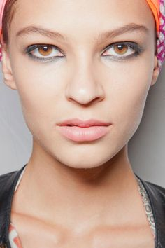 Neutral Lips, & Smudged with black kohl eyelids #Makeup Marc by Marc Jacobs Spring Summer 2013.