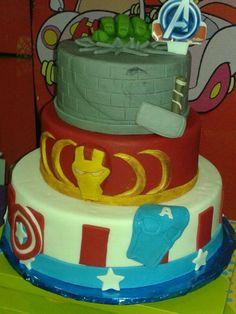 Bolo Vingadores #cake #bolovingadores #osvingadores