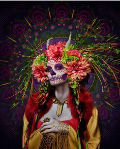 """Y que mejor para el final final que: """"MICTECACIHUATL""""  Diosa azteca de la Muerte ¡ntas. hermosas """"Catrinas""""! Sra. de la Muerte...(de mi hermoso México , los colores representan a la cultura mexicana tanto prehispánica como moderna)"""