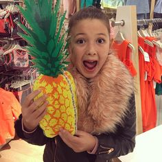 A jucy pineapple🍍🍍 Family Of Five, Youtubers, Sassy, Pineapple, Families, Idol, Channel, Lovers, Meet