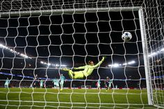 Angel Di Maria of Paris Saint-Germain scores his team's third goal past Marc-Andre ter Stegen of Barcelona during the UEFA Champions League Round of 16 first leg match between Paris Saint-Germain and FC Barcelona at Parc des Princes on February 14, 2017 in Paris, France.