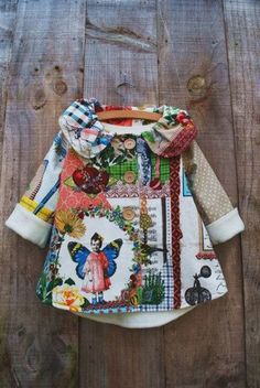 Little girls coat - I want a big girl coat like this Little Fashion, Kids Fashion, Girl Swinging, Fashion Mode, Fashion News, Fashion Outfits, Fashion Trends, Kid Styles, Sewing For Kids