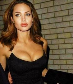 Angelina Jolie says looks dont matter if youre not intelligent in blunt new interview Angelina Jolie Fotos, Angelina Jolie Biography, Angelina Jolie Makeup, Angelina Jolie Style, Angelina Jolie Hairstyles, Angelina Jolie Young, Tumblr Mode, Estilo Megan Fox, Pretty People