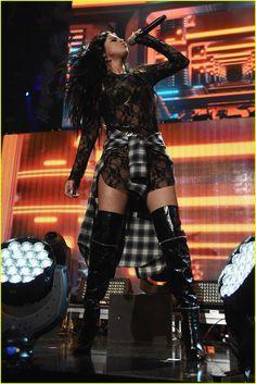 Selena Gomez Reunites With Zedd On Stage at Z100's Jingle Ball | selena gomez zedd z100 jingle ball 02 - Photo