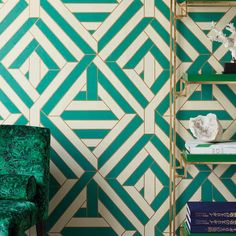 Papier peint Art Déco Wynwood Gold, Green and Beige - Cosmoplitan - Nobilis Geometric Wallpaper, Wall Wallpaper, Moda Art Deco, Art Deco Pattern, My New Room, Art Deco Fashion, Diy Home Decor, Abstract, Marie Claire