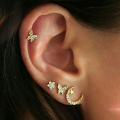 Have we bent your ear with this? Dreamy designs like our Mads earring set just d… Have we bent your ear with this? Dreamy designs like our Mads earring set just dropped 💫💫💫 Geode Jewelry, Ear Jewelry, Cute Jewelry, Jewelery, Cartilage Jewelry, Tragus Stud, Jewelry Ideas, Diamond Jewelry, Emerald Earrings