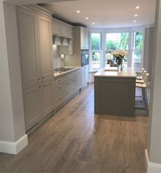 What a gorgeous kitchen. Its not a huge kitchen but it works. What a gorgeous kitchen. Its not a huge kitchen but it works. Open Plan Kitchen Living Room, Huge Kitchen, Kitchen Family Rooms, Home Decor Kitchen, Kitchen Interior, Kitchen Ideas, Grey Kitchen Diner, Kitchen Layouts, Kitchen On One Wall