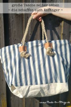 Sewing bag, simple instructions and sewing patterns - Free pattern for a large bag. Also suitable for sewing beginners. Patchwork Fabric, Patchwork Bags, Bag Patterns To Sew, Sewing Patterns, Diy Handbag, Denim Bag, Fabric Bags, Handmade Bags, Bag Making