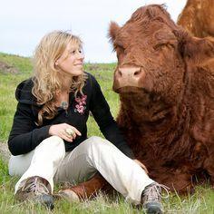 L - Colleen Patrick-Goudreau is an author. She writes books advocating a vegan life style - is schrijfster en promotor van een veganistische levensstijl.