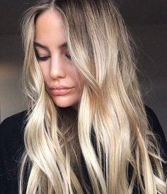 R O O T E D B L O N D E Perfectly effortless blonde by @nat_edwardsandco ❤❤❤ #balayage #livedincolor #blondebalayage #sunkissed #loosewaves