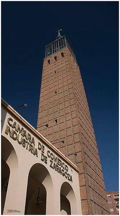 Antiguo Edificio de la Feria de Muestras de Zaragoza España.