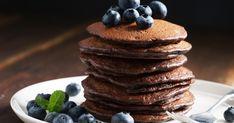 A hagyományosnál ducibb tésztájú, csokis zabpalacsinta rostdús, így nagyon laktató. Crepes, Cocoa, Tasty Pancakes, Ricotta, Food And Drink, Breakfast, Vegan Pancakes, Holiday Recipes, Vegan Recipes