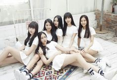 Gfriend- Season of Glass Mini Album CD Photo Book K-pop Girl Friend for sale online Kpop Girl Groups, Korean Girl Groups, Kpop Girls, Incheon, Extended Play, K Pop, Gfriend Album, Lee Hyun Woo, Group Pictures