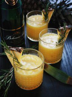 Smoothie se sektem – The Olive Moscow Mule Mugs, Smoothie, Drinks, Tableware, Drinking, Beverages, Dinnerware, Tablewares, Smoothies