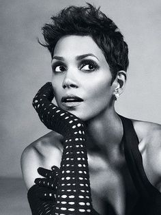 Love this picture! Halle Berry will always be a beaut!
