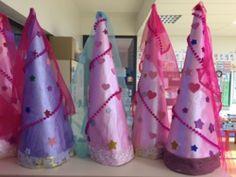 Château, Princes et Princesses - (page - La classe de Teet et Marlou Pirate Halloween Costumes, Couple Halloween Costumes For Adults, Costumes For Teens, Adult Costumes, Couple Costumes, Girl Group Costumes, Woman Costumes, Royal Throne, Fairy Tale Theme