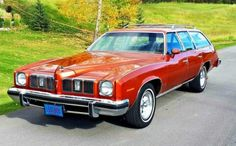 Like New! 1975 Pontiac Grand LeMans Safari - Shiny and fresh, this stylish wagon traversed an unexpected journey to notoriety. Be sure to check - Pontiac Lemans, Pontiac Cars, Pontiac Bonneville, Wheels And Tires, Car Wheels, Station Wagon Cars, Car Carrier, American Classic Cars, Us Cars