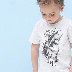 Boys love sharks! te gek t-shirt.   http://stoerkids.nl/shop/kinderkleding/stoere-jongenskleding/tumble-n-dry-jongens-t-shirt-gamon/