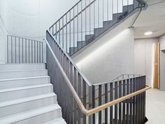 Steel Stairs Design, Modern Stair Railing, Stair Handrail, Modern Stairs, Railing Design, Railings, Interior Staircase, Stairways, Home Projects